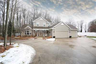 Neenah Single Family Home For Sale: 3039 Windfield