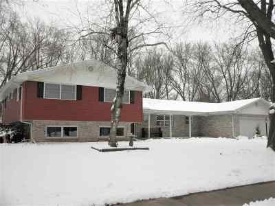 De Pere Single Family Home Active-No Offer: 1249 Driftwood