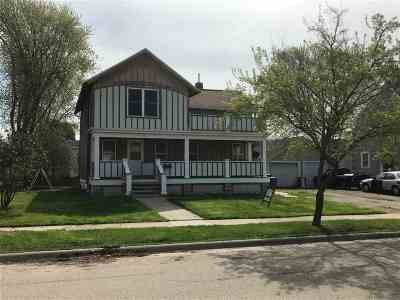 Menasha Single Family Home Active-Offer No Bump: 113 Appleton