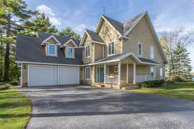 Single Family Home For Sale: 3761 Bay Shore