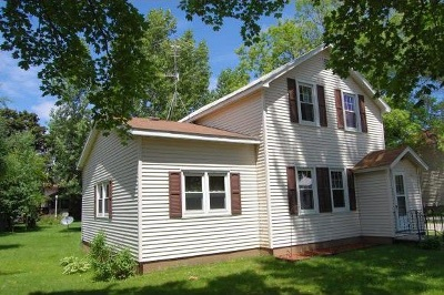Oconto Single Family Home Active-No Offer: 113 Adams