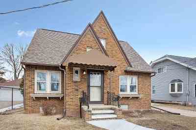 Appleton Single Family Home Active-Offer No Bump: 1022 W Summer