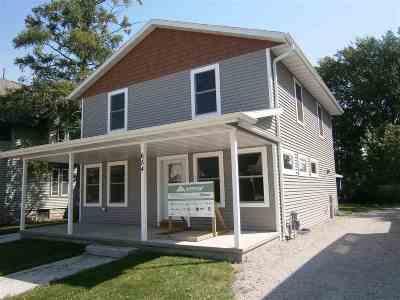 Oshkosh Single Family Home Active-No Offer: 654 Frederick