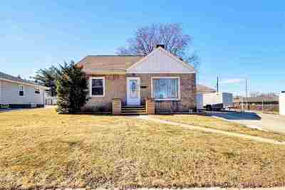 Green Bay Single Family Home Active-No Offer: 601 Peters
