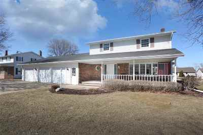 Little Chute Single Family Home Active-Offer No Bump: 119 Homewood