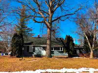 Appleton Single Family Home Active-No Offer: 1619 Woodland