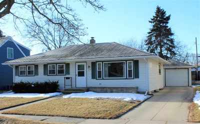 Appleton Single Family Home For Sale: 919 W Parkway