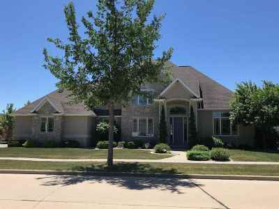 Appleton Single Family Home Active-No Offer: 331 E Morningsun