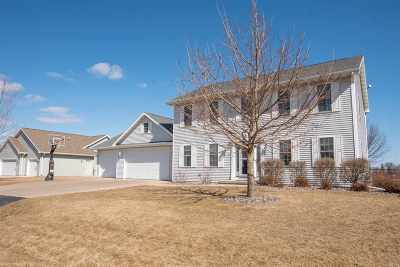 Single Family Home For Sale: 1284 Olde Apple