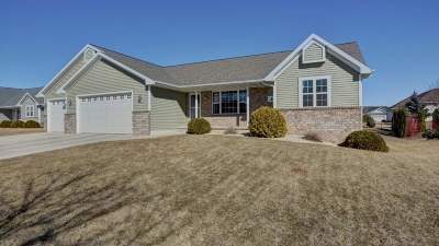 De Pere Single Family Home Active-No Offer: 1012 Peonies