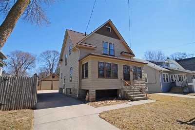 Single Family Home For Sale: 820 Monroe
