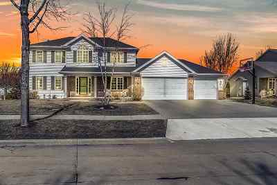 Appleton Single Family Home Active-No Offer: 300 E Apple Creek