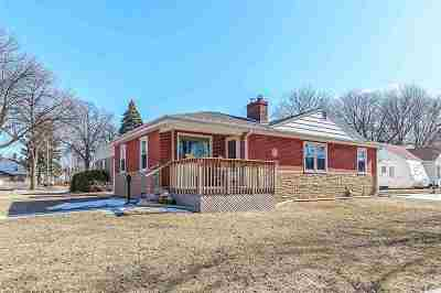 Green Bay Single Family Home Active-Offer No Bump: 1071 Holzer