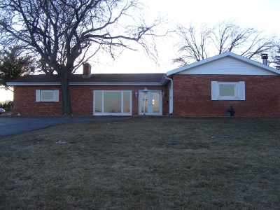 Seymour Single Family Home Active-Offer No Bump: N7169 Hwy C