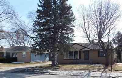 Green Bay Single Family Home Active-Offer No Bump: 1638 Lilac