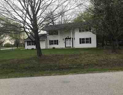 Appleton Single Family Home Active-No Offer: 53 Meadowbrook