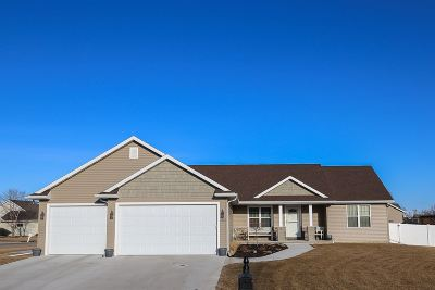 Neenah Single Family Home Active-No Offer: 2225 Windflower
