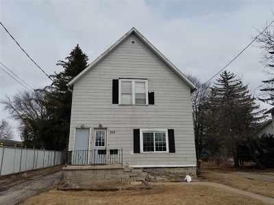 Neenah Multi Family Home Active-No Offer: 238 E Franklin