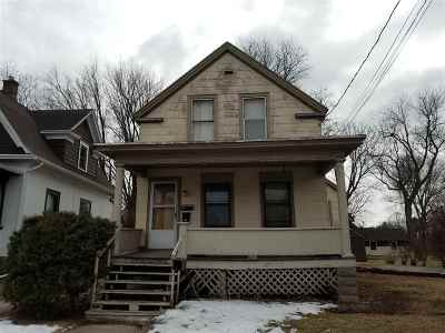 Neenah Multi Family Home Active-No Offer: 314 Sherry