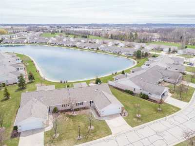 Condo/Townhouse Active-No Offer: 1638 Twin Lakes