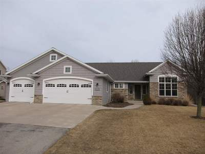 Neenah Single Family Home Active-Offer No Bump: 1536 Kingswood