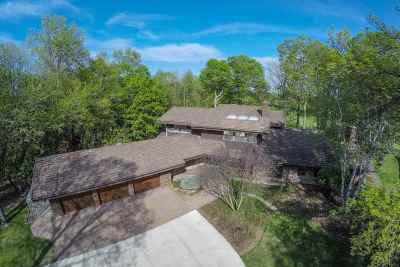 Appleton Single Family Home Active-No Offer: 7 W Golf Terrace