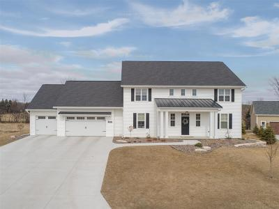 Appleton Single Family Home Active-Offer No Bump: 2952 W Old Oak