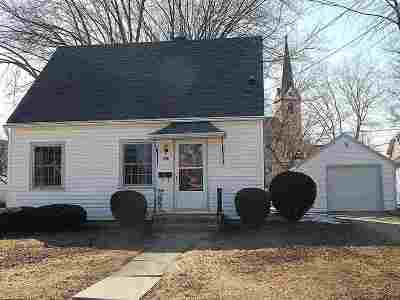 Little Chute WI Single Family Home Active-Offer No Bump: $105,000