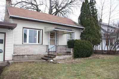 Winneconne Single Family Home Active-Offer No Bump: 303 S 1st