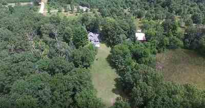Waupaca Single Family Home Active-Offer No Bump-Show: E2029 Spencer Lake