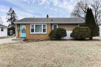 Neenah Single Family Home Active-Offer No Bump: 949 Betty