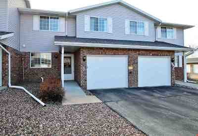 Green Bay Condo/Townhouse Active-Offer No Bump: 2543 Telluride #I