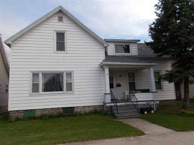 Marinette County Multi Family Home Active-No Offer: 1517 Logan