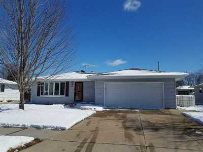 Neenah Single Family Home Active-Offer No Bump: 1536 Collins