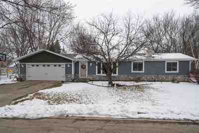 Neenah Single Family Home Active-Offer No Bump: 2340 Brantwood