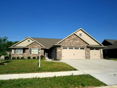 Menasha Single Family Home Active-Offer No Bump: N8915 Harrisville