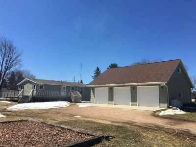 Oconto County Single Family Home Active-No Offer: 16504 Elm