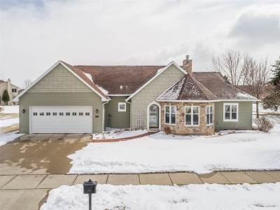 Kaukauna Single Family Home Active-Offer No Bump: 1844 Cobblestone