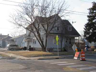 Neenah Multi Family Home Active-Offer No Bump: 702 S Commercial