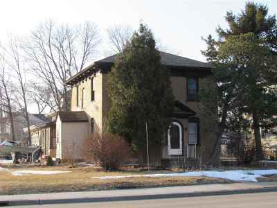 Neenah Multi Family Home Active-Offer No Bump: 424 S Commercial