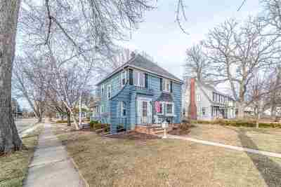 Neenah Single Family Home Active-Offer No Bump: 802 Hewitt