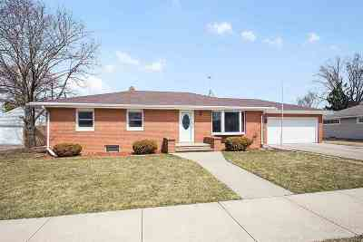 Kaukauna Single Family Home Active-Offer No Bump: 312 E 19th