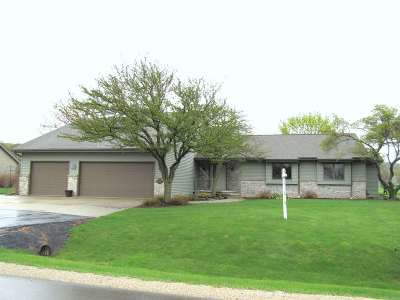 Sherwood Single Family Home Active-Offer No Bump: W4933 Golf Course