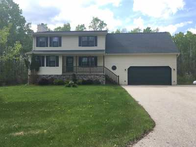 Little Suamico Single Family Home Active-No Offer: 1615 Locust