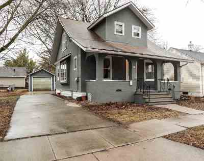 Appleton WI Single Family Home Active-Offer No Bump: $95,000
