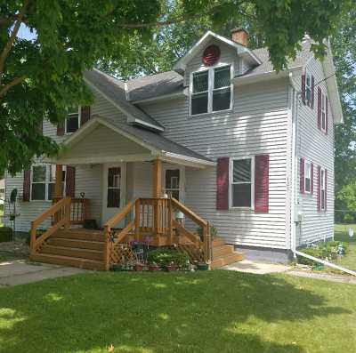 Gillett Multi Family Home Active-No Offer: 125 W Main