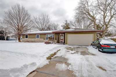 Neenah Single Family Home Active-No Offer: 204 Stanley