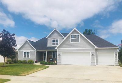 Appleton Single Family Home Active-No Offer: 2604 E Corridor
