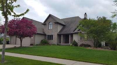 Appleton Single Family Home Active-No Offer: 209 E Thornbrook