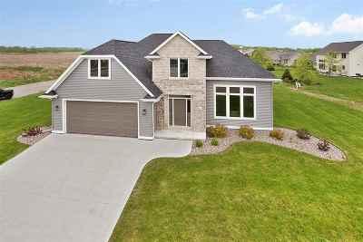 Appleton Single Family Home Active-No Offer: 3111 E Bluetopaz